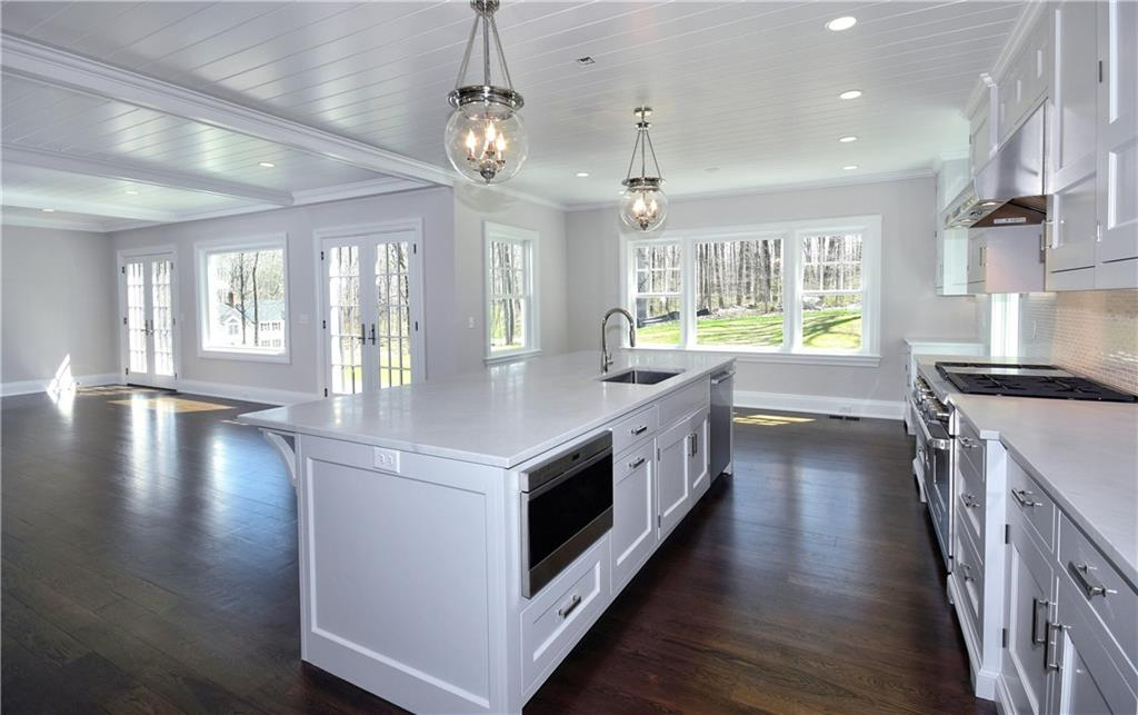 Additional photo for property listing at 69 WELLES LANE  New Canaan, Connecticut,06840 Hoa Kỳ