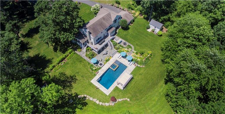 Maison unifamiliale pour l Vente à 39 SHADOW LANE New Canaan, Connecticut,06840 États-Unis
