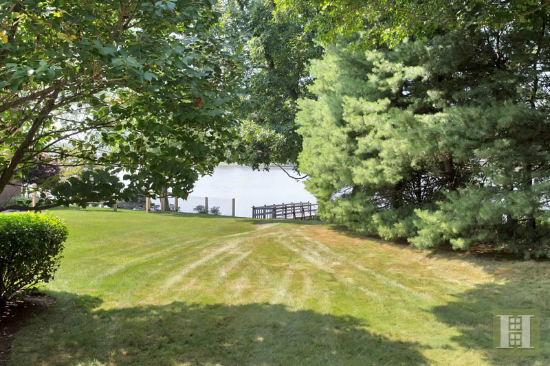 Additional photo for property listing at 9 WEEDS LANDING  Darien, Connecticut,06820 Amerika Birleşik Devletleri