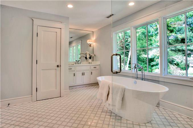 Additional photo for property listing at 23 WATERBURY LANE  Darien, Connecticut,06820 Verenigde Staten