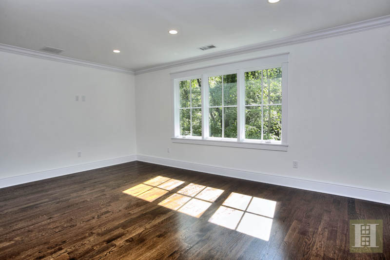 Additional photo for property listing at 23 WATERBURY LANE  Darien, 코네티컷,06820 미국
