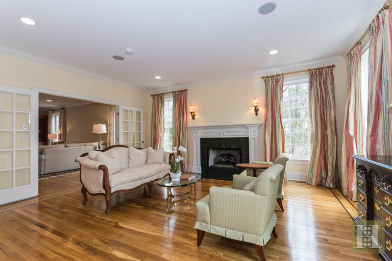 Additional photo for property listing at 450 MANSFIELD AVENUE  Darien, Connecticut,06820 Vereinigte Staaten