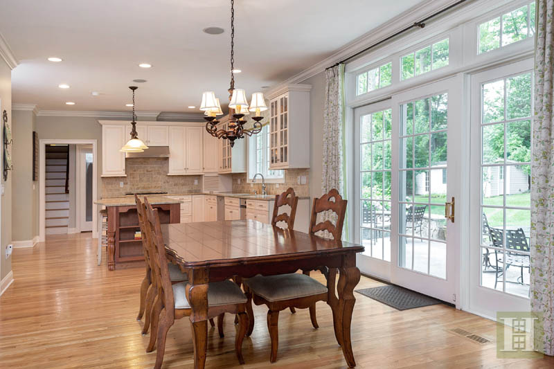 Additional photo for property listing at 450 MANSFIELD AVENUE  Darien, Коннектикут,06820 Соединенные Штаты