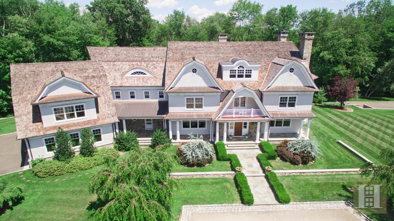 Maison unifamiliale pour l Vente à 1385 SMITH RIDGE ROAD New Canaan, Connecticut,06840 États-Unis