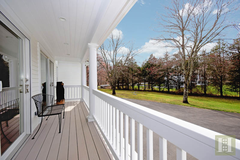 Additional photo for property listing at 1037 VALLEY ROAD  New Canaan, Connecticut,06840 Estados Unidos