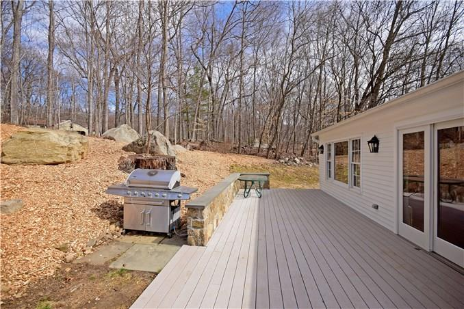 Additional photo for property listing at 1037 VALLEY ROAD  New Canaan, Connecticut,06840 United States