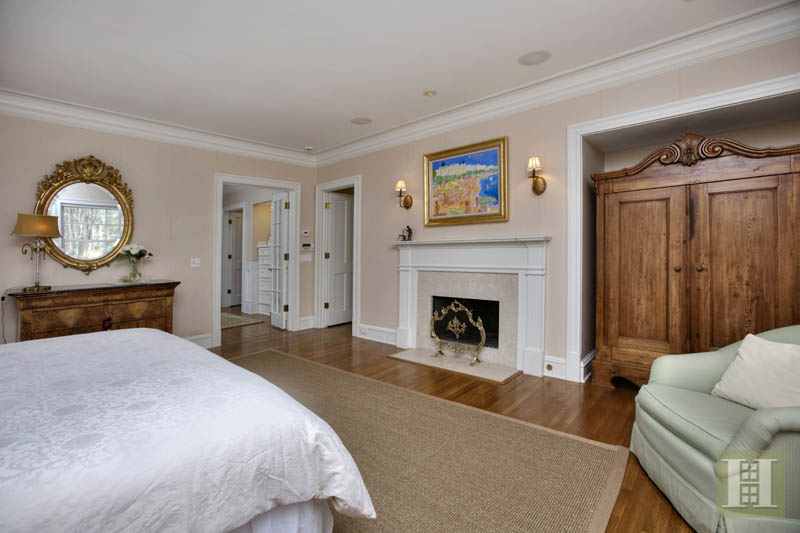 Additional photo for property listing at 60 BLUEBERRY LANE  Darien, Connecticut,06820 Hoa Kỳ