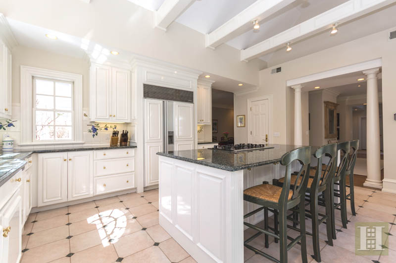Additional photo for property listing at 117 CLEARVIEW LANE  New Canaan, Connecticut,06840 Stati Uniti