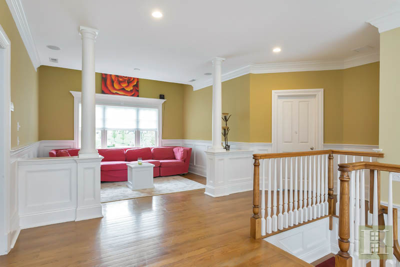 Additional photo for property listing at 87 BUCKINGHAM RIDGE ROAD  Wilton, Connecticut,06897 Stati Uniti
