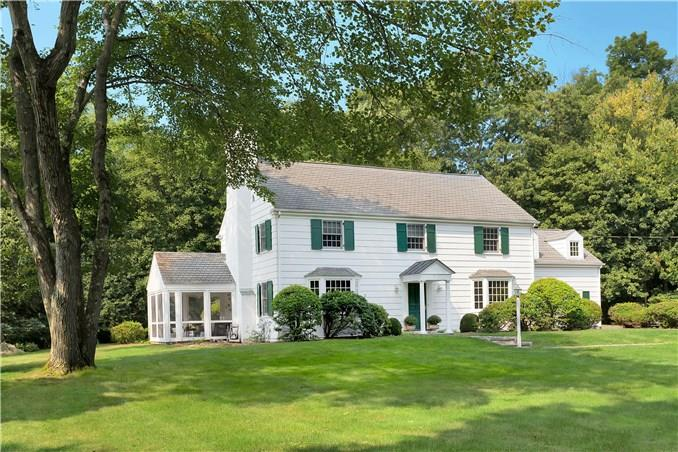 Additional photo for property listing at 5 MIDBROOK LANE  Darien, Connecticut,06820 Stati Uniti