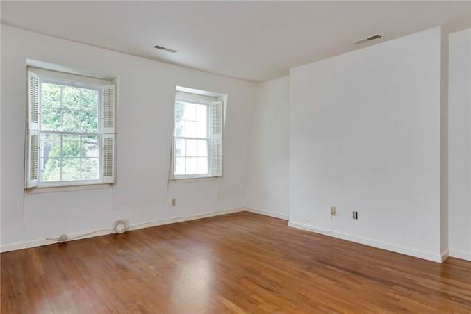 Additional photo for property listing at 143 EAST AVENUE  New Canaan, 康涅狄格州,06840 美國