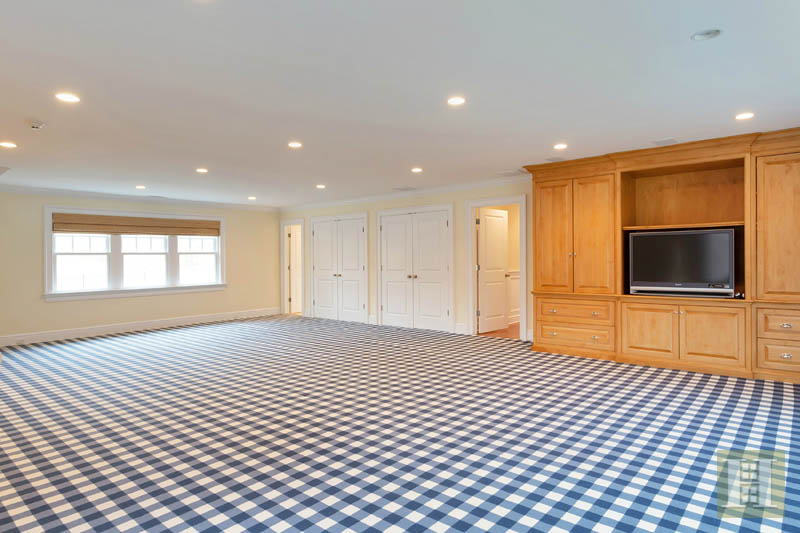 Additional photo for property listing at 22 DRIFTWAY LANE  Darien, Connecticut,06820 Verenigde Staten