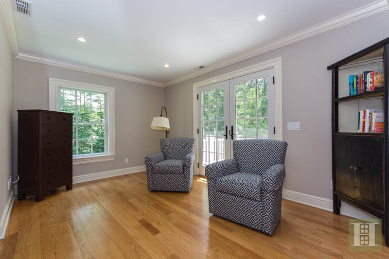 Additional photo for property listing at 1 SHADY ACRES ROAD  Darien, Connecticut,06820 Estados Unidos
