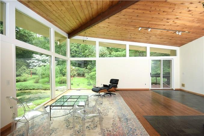 Additional photo for property listing at 209 FROGTOWN ROAD  New Canaan, Connecticut,06840 Stati Uniti