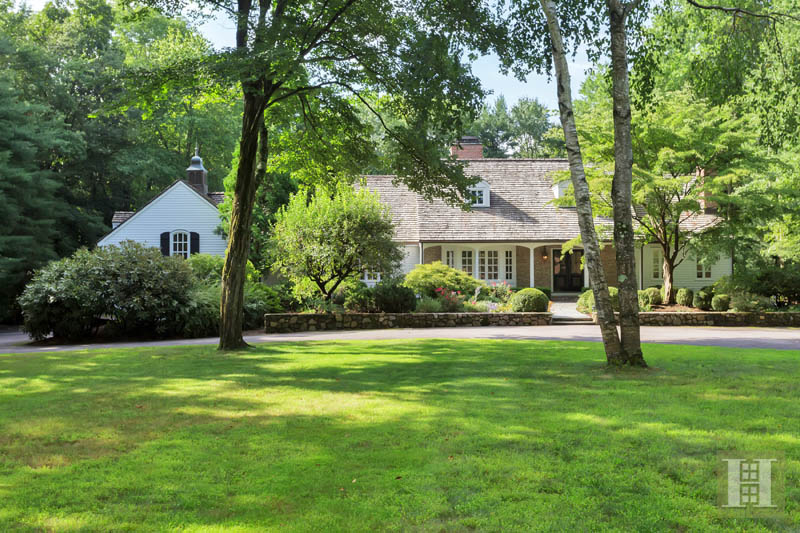 Additional photo for property listing at 90 PARADE HILL LANE  New Canaan, Connecticut,06840 Stati Uniti