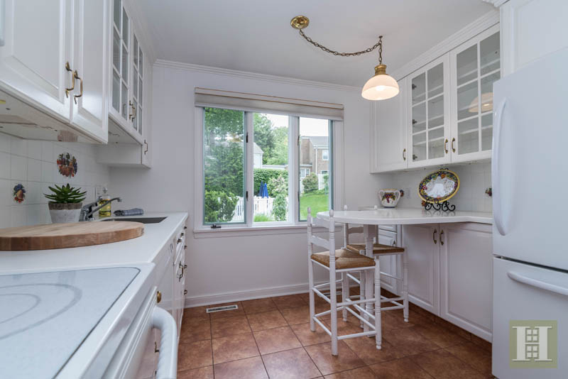 Additional photo for property listing at 205 MAIN STREET  New Canaan, Connecticut,06840 États-Unis
