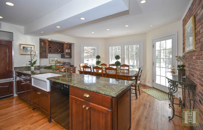 Additional photo for property listing at 32 FITCH LANE  New Canaan, Connecticut,06840 Hoa Kỳ