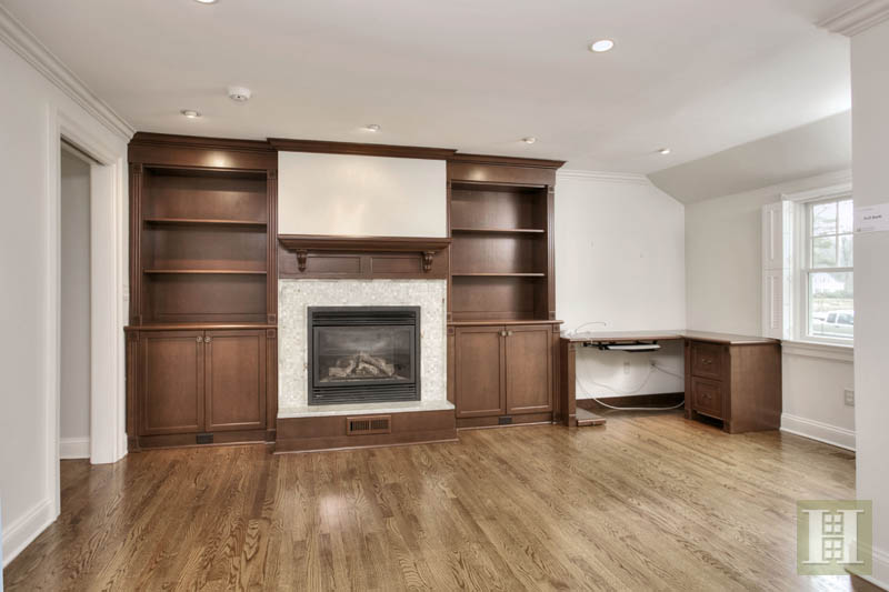 Additional photo for property listing at 22 LINDA LANE  Darien, Коннектикут,06820 Соединенные Штаты