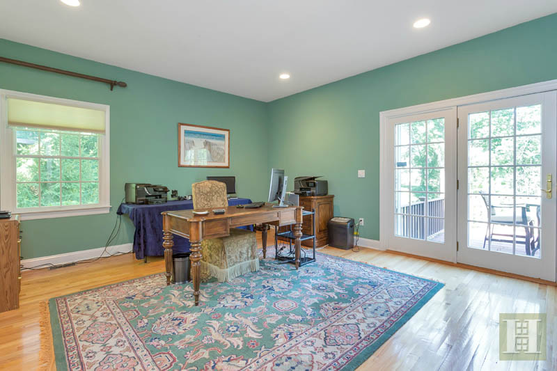 Additional photo for property listing at 18 PINE RIDGE ROAD  Wilton, Connecticut,06897 États-Unis