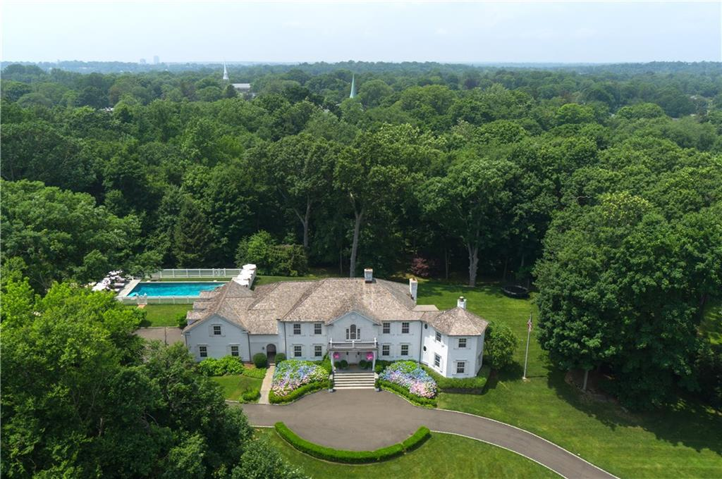 Additional photo for property listing at 10 GLEN GORHAM LANE  Darien, Connecticut,06820 Verenigde Staten