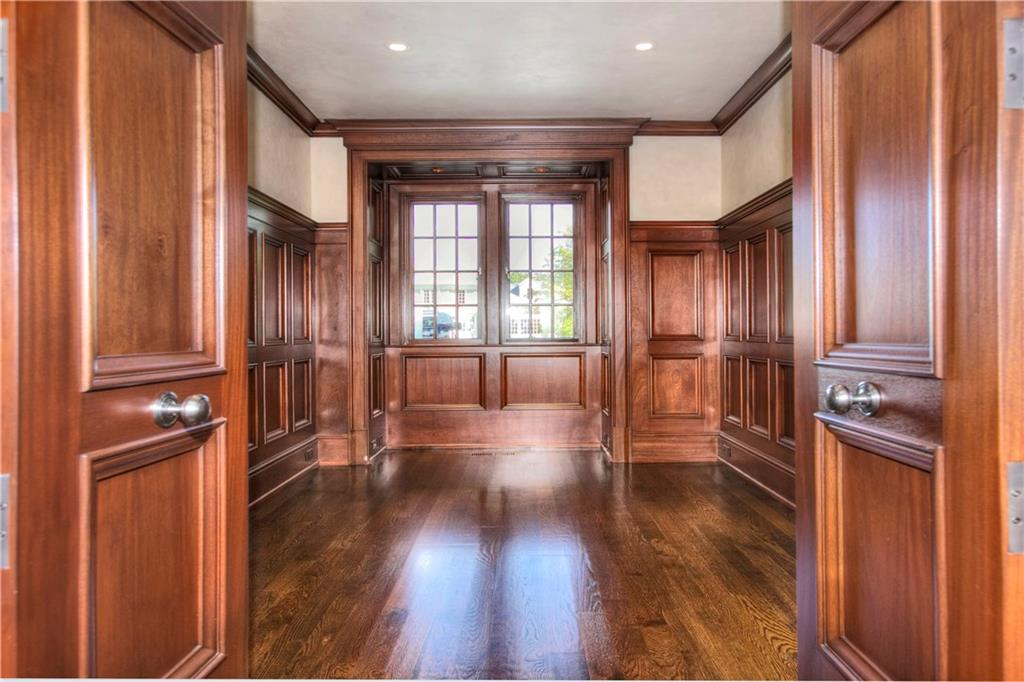 Additional photo for property listing at 2 SETTLERS TRAIL  Darien, Connecticut,06820 Estados Unidos