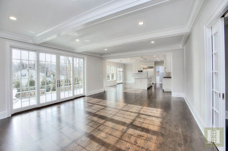 Additional photo for property listing at 5 PARSONS WALK  Darien, Connecticut,06820 Hoa Kỳ