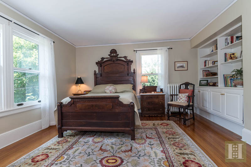 Additional photo for property listing at 2 HIGHLAND AVENUE  DARIEN, CONNECTICUT,06820 ESTADOS UNIDOS
