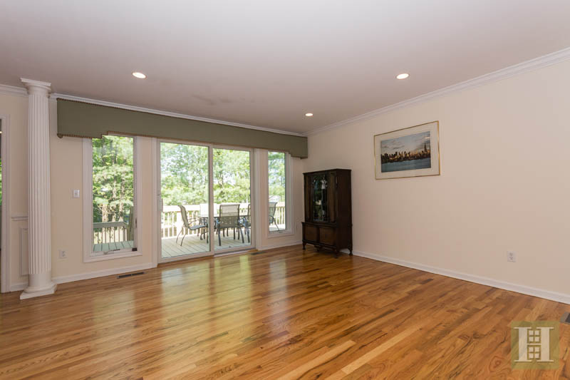 Additional photo for property listing at 84 CAMP AVENUE  Darien, Connecticut,06820 Estados Unidos