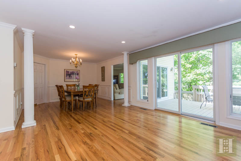 Additional photo for property listing at 84 CAMP AVENUE  Darien, Connecticut,06820 Hoa Kỳ