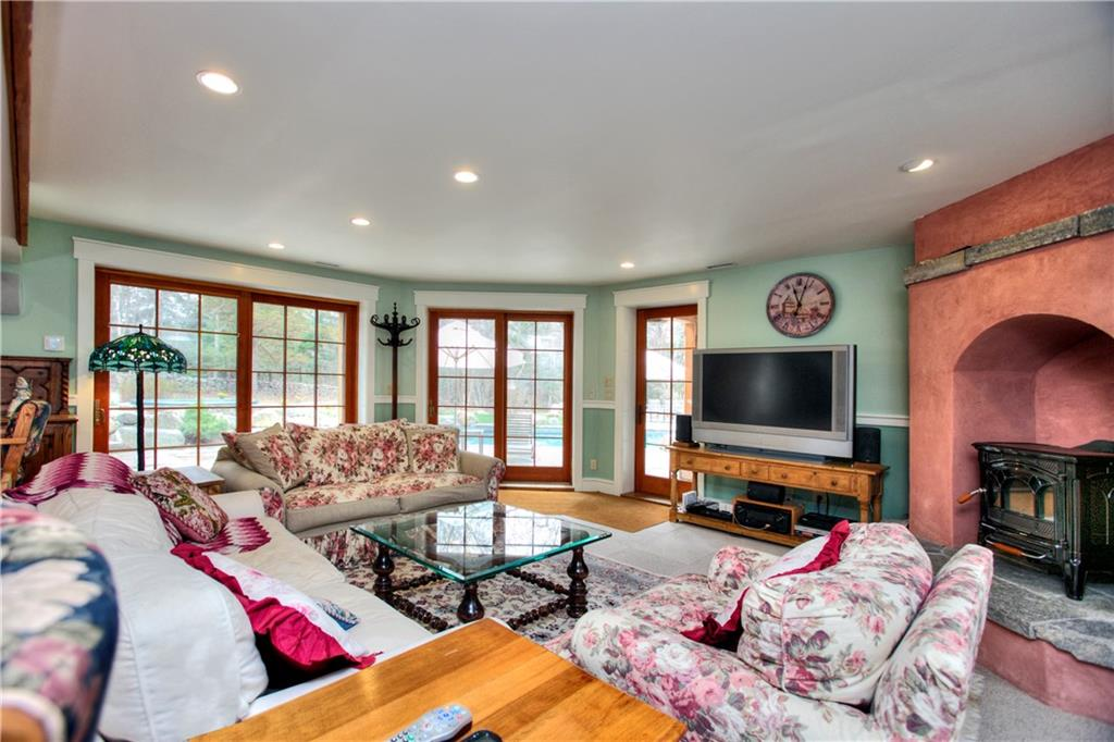 Additional photo for property listing at 482 TRINITY PASS ROAD  New Canaan, Connecticut,06840 United States
