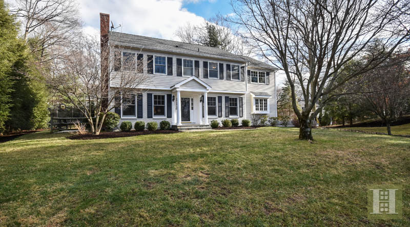 Casa Unifamiliar por un Venta en 10 BARRINGER ROAD Darien, Connecticut,06820 Estados Unidos