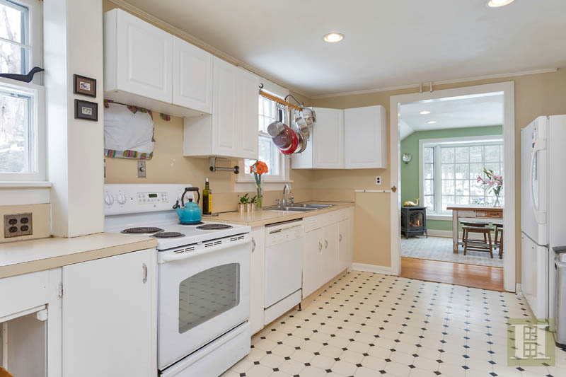 Additional photo for property listing at 42 GOODWIVES RIVER ROAD  Darien, Connecticut,06820 États-Unis
