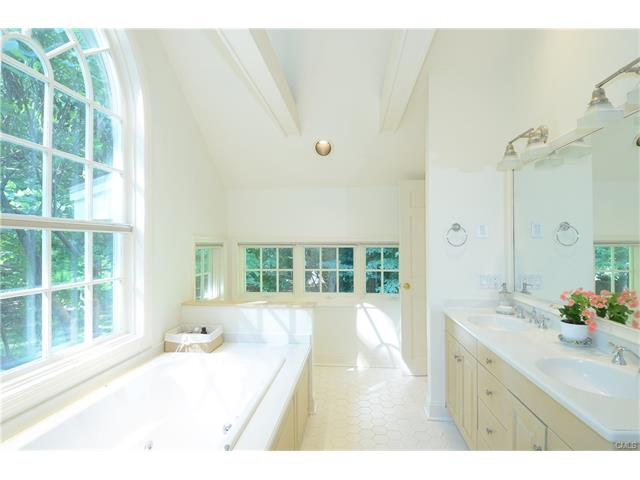 Additional photo for property listing at 108 TOBYS LANE  New Canaan, Connecticut,06840 Verenigde Staten