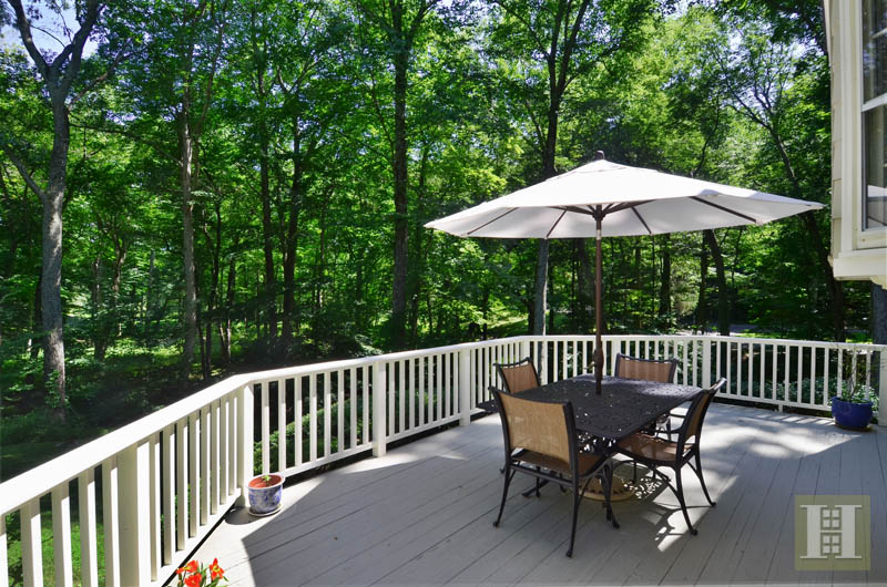 Additional photo for property listing at 108 TOBYS LANE  New Canaan, コネチカット,06840 アメリカ合衆国