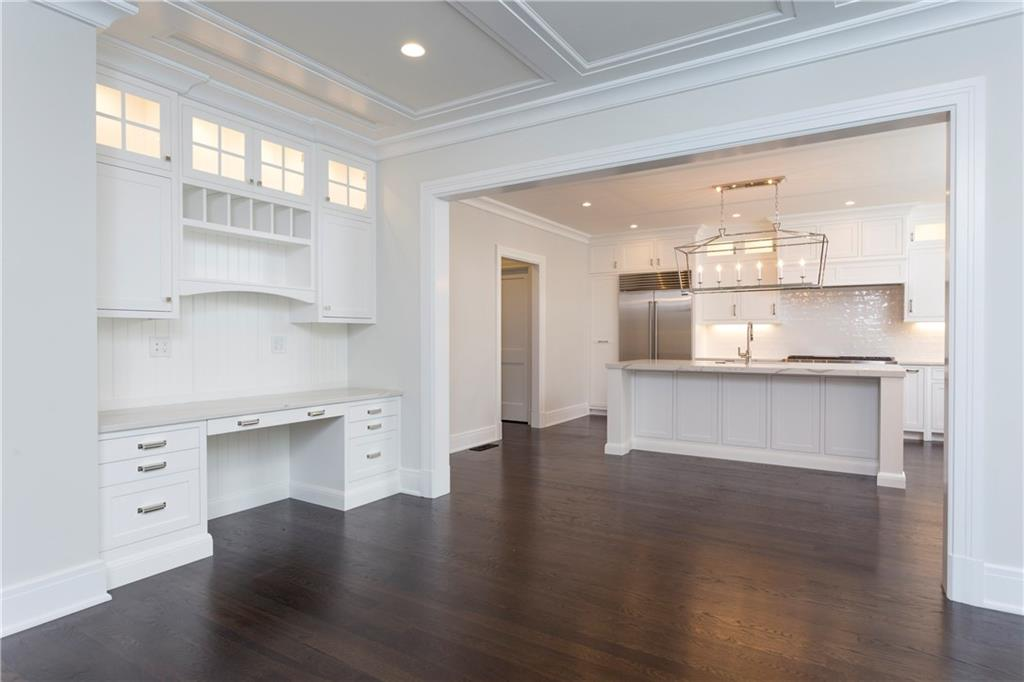 Additional photo for property listing at 20 BIRCH ROAD  Darien, Коннектикут,06820 Соединенные Штаты