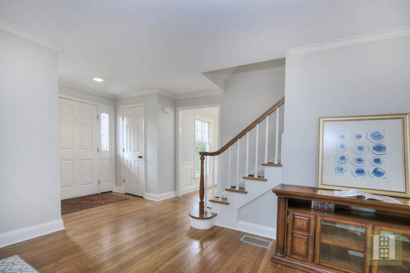 Additional photo for property listing at 9 PATRICIA LANE  Darien, Connecticut,06820 Verenigde Staten