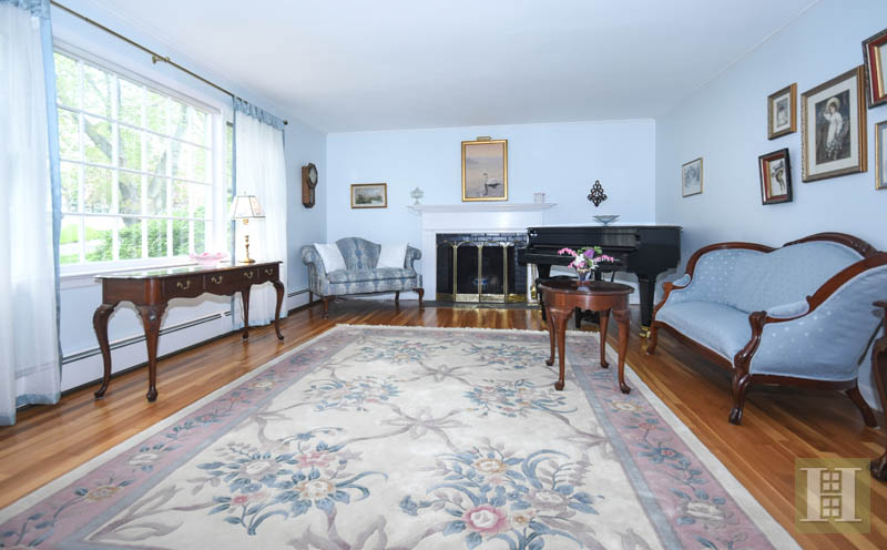 Additional photo for property listing at 130 FIELD CREST ROAD  New Canaan, Коннектикут,06840 Соединенные Штаты