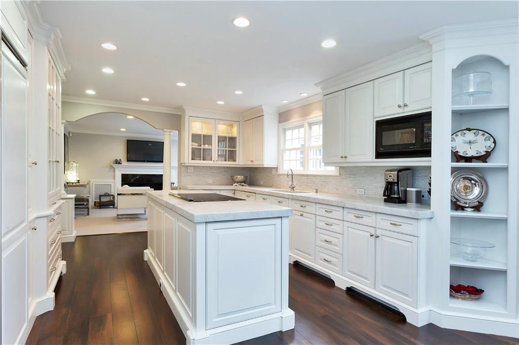 Additional photo for property listing at 20 INDIAN SPRING TRAIL  Darien, 코네티컷,06820 미국