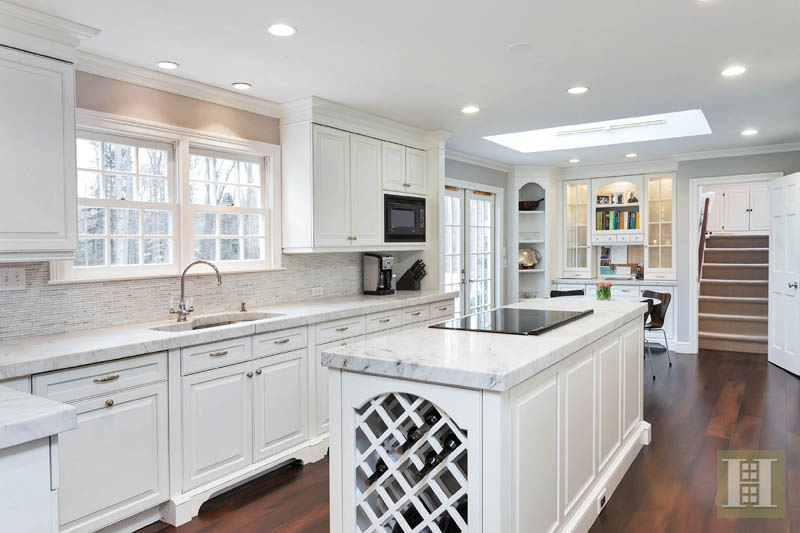 Additional photo for property listing at 20 INDIAN SPRING TRAIL  Darien, Коннектикут,06820 Соединенные Штаты