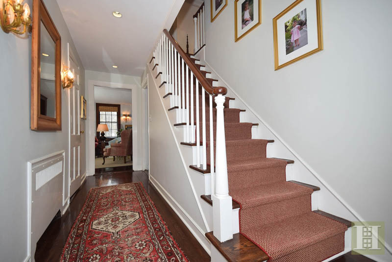Additional photo for property listing at 9 MIDBROOK LANE  Darien, Connecticut,06820 Estados Unidos