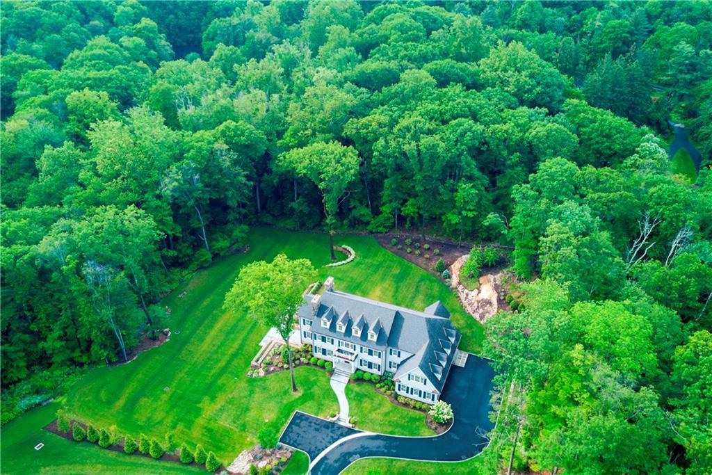 Частный дом для того Продажа на 674 CARTER STREET New Canaan, Коннектикут,06840 Соединенные Штаты