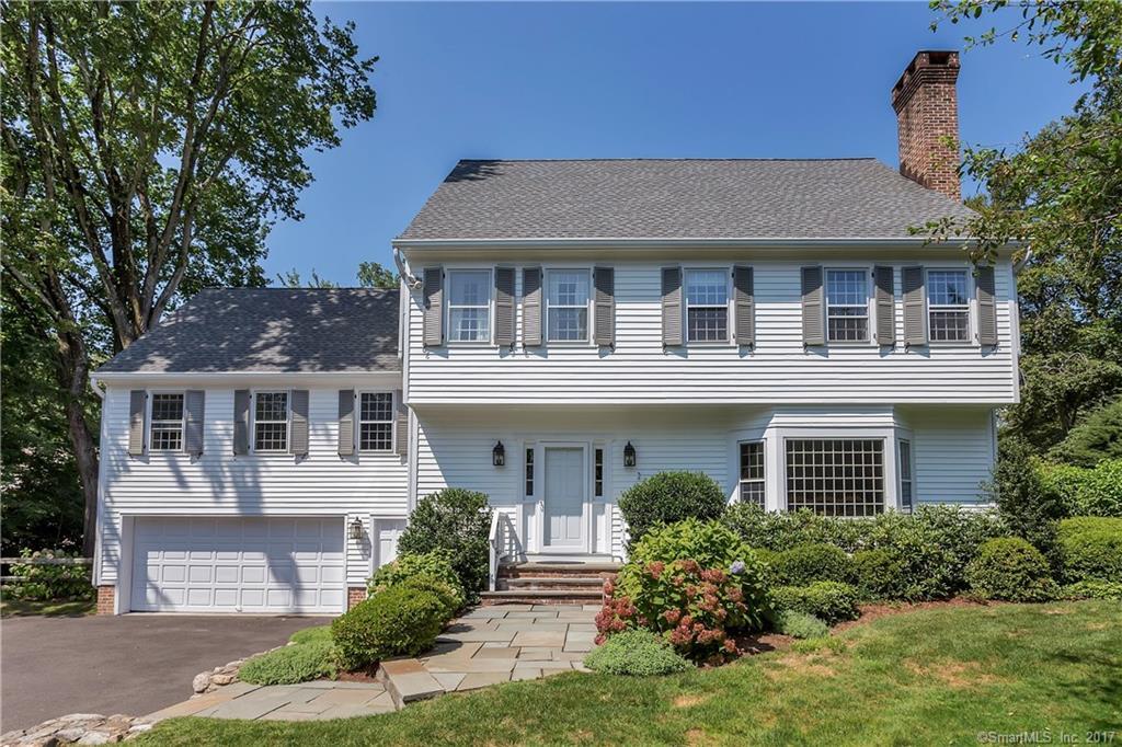 Maison unifamiliale pour l Vente à 9 COLONY ROAD Darien, Connecticut,06820 États-Unis