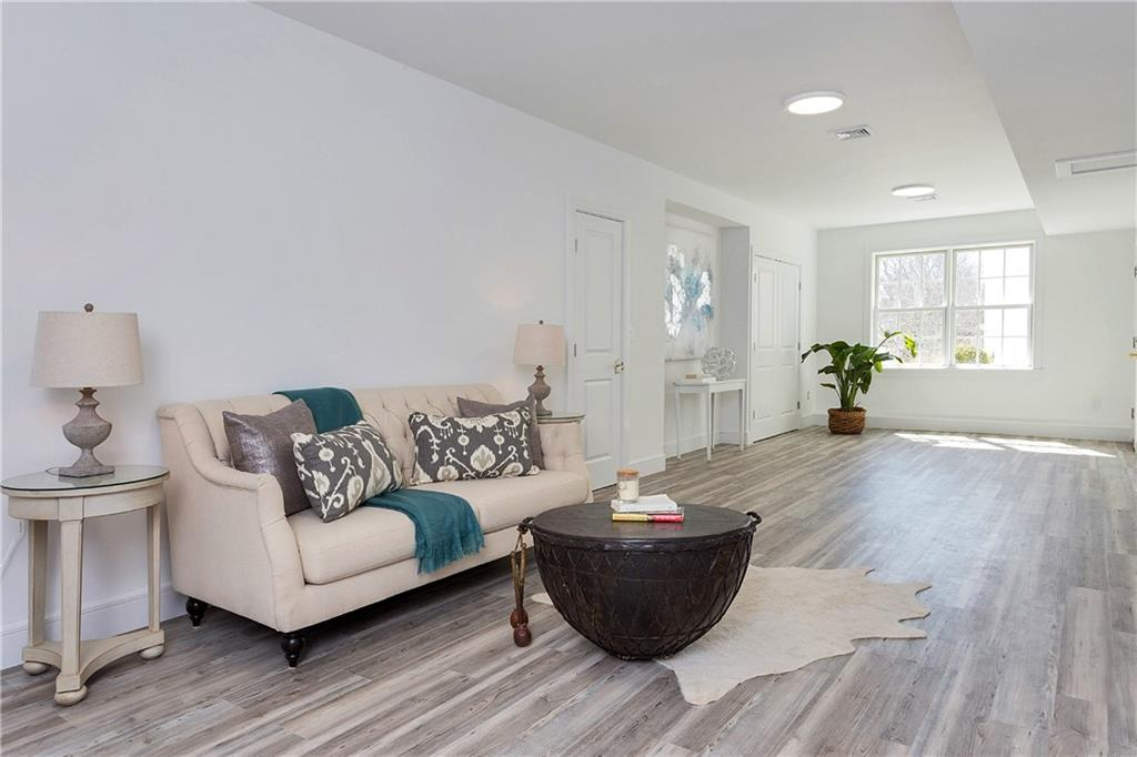 Additional photo for property listing at 167 SUMMER STREET  New Canaan, Connecticut,06840 États-Unis