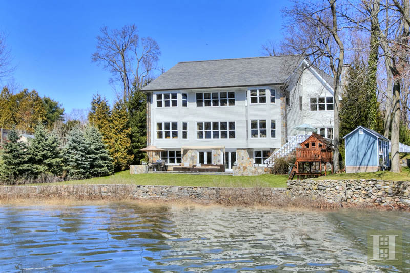 Additional photo for property listing at 2572 BOSTON POST ROAD  Darien, Коннектикут,06820 Соединенные Штаты