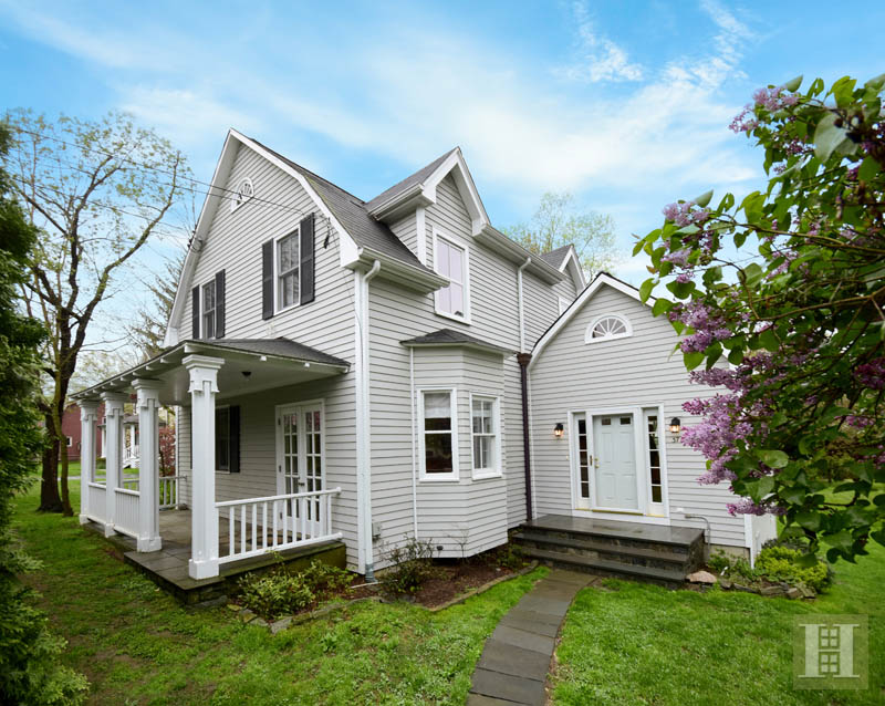 Additional photo for property listing at 37 GREENWOOD AVENUE  Darien, Connecticut,06820 Stati Uniti