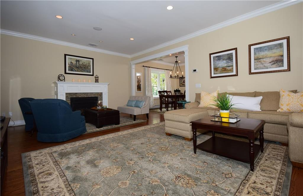 Additional photo for property listing at 37 GREENWOOD AVENUE  Darien, Connecticut,06820 Vereinigte Staaten
