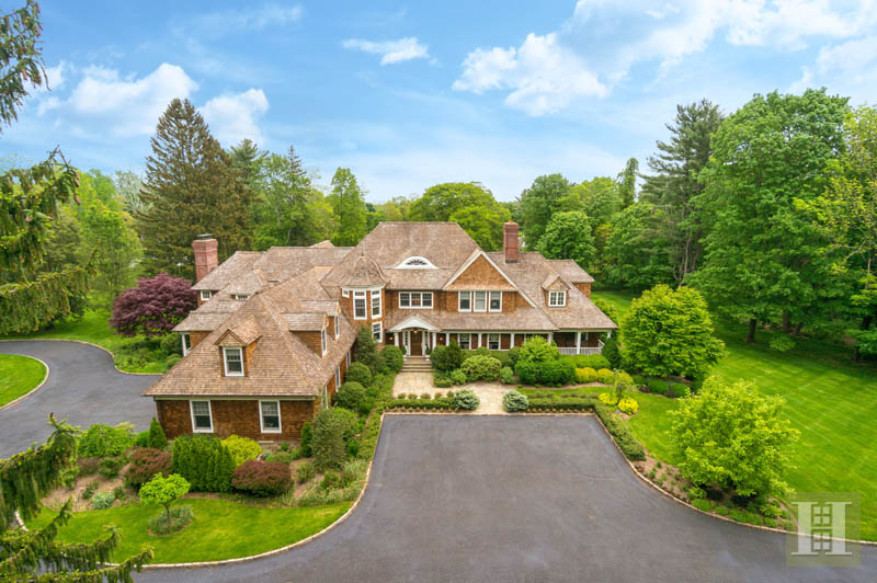 Single Family Home for Sale at 1135 SMITH RIDGE ROAD New Canaan, Connecticut,06840 United States